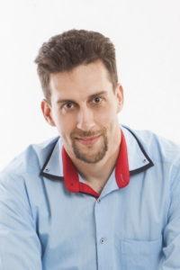 Temesvári Richárd vagyok, mikrovállalati online marketing tanácsadó, ismertség többszörözési specialista.