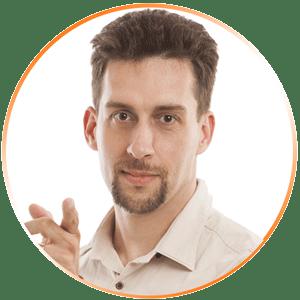 Temesvári Richárd online marketing tréner