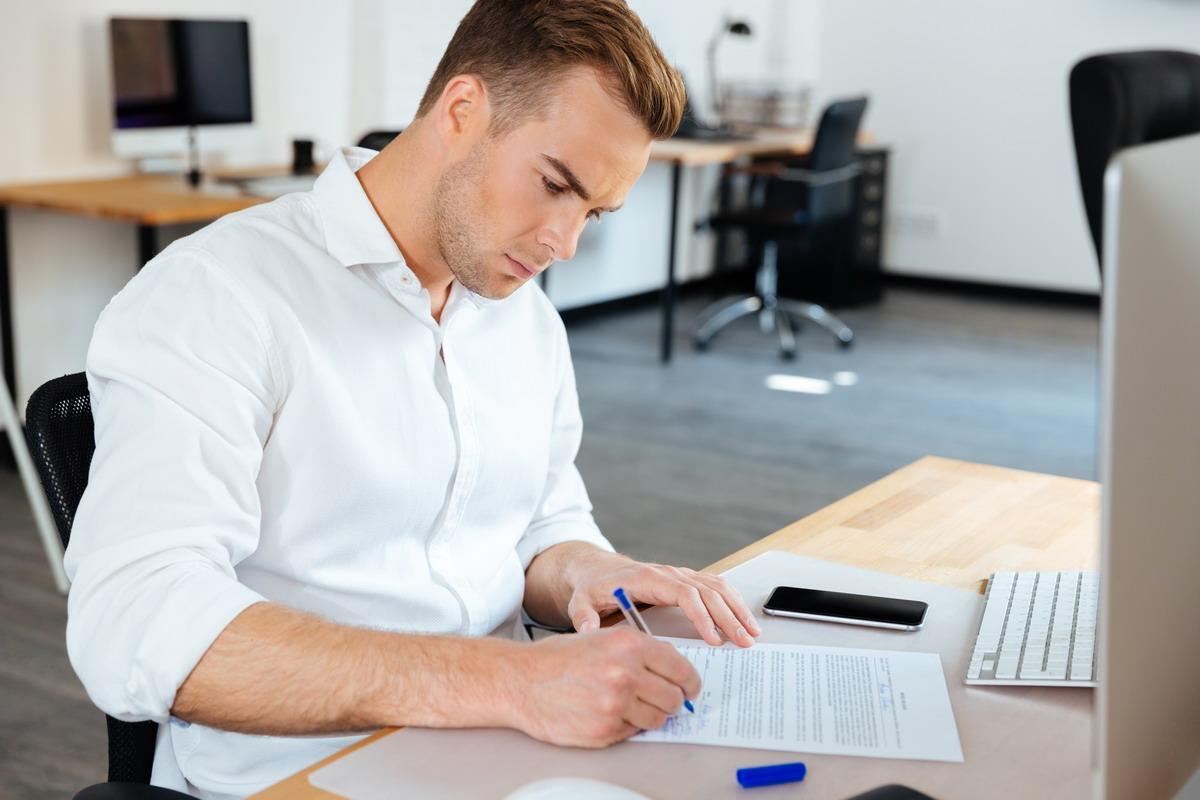 Pontosan megmutatom, hogyan érdemes beállítani a levelezésed úgy, hogy az márkaépítő legyen és akkor is szerezzen neked megrendelőket, amikor nem is azért levelezel valakivel...