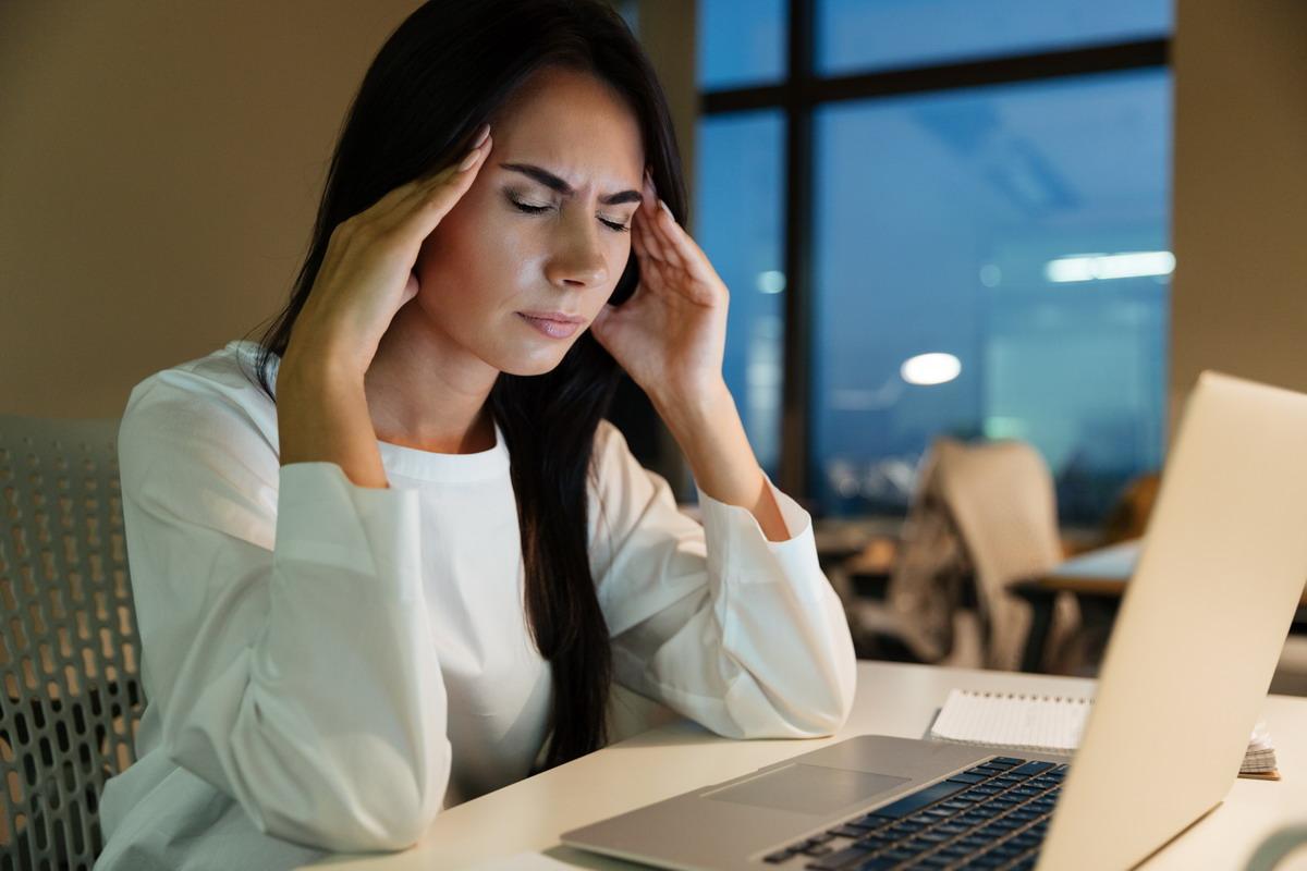 Sajnos azonban kevés az érthető és az átfogó online marketing tananyag